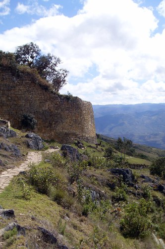 The Chachapoyas culture and the fortress of Kuelap, Aracari Travel