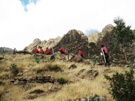 Community tourism Peru with Tierra de los Yachaqs, Aracari Travel
