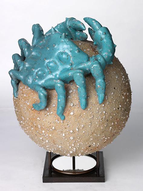 Ceramicist Carlos Runcie Tanaka in Galería Enlace