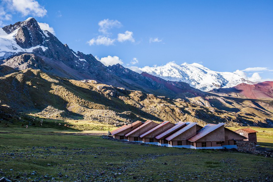 Aracari in Cusco: Lodge-to-Lodge Ausangate Trek