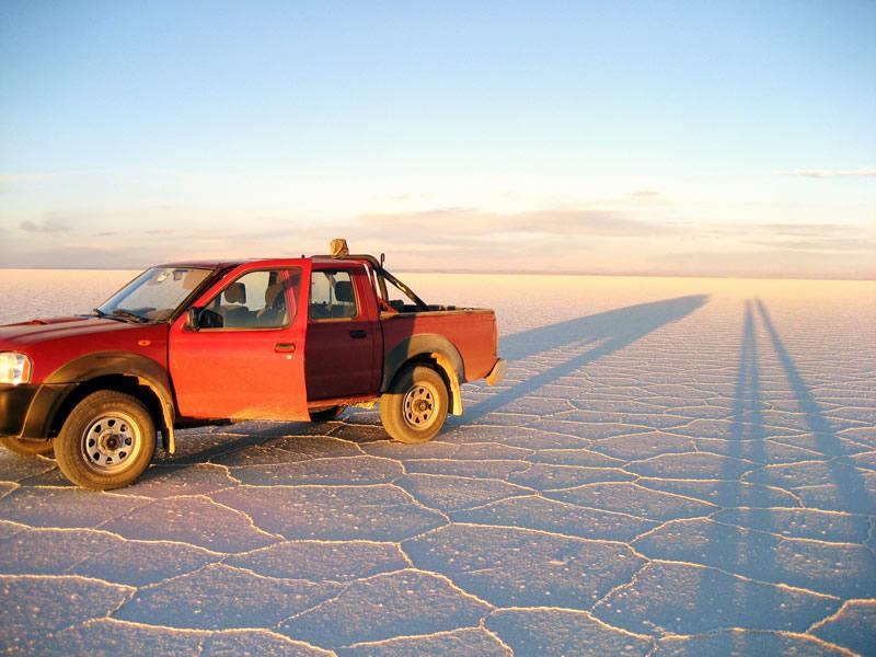 Salar de Uyuni luxury trips - 4x4 vehicle