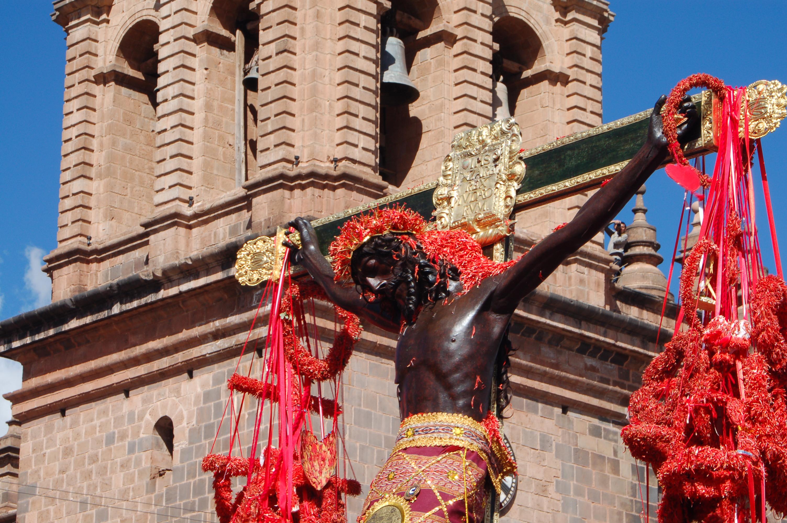 Señor de los Temblores Procession in Cusco