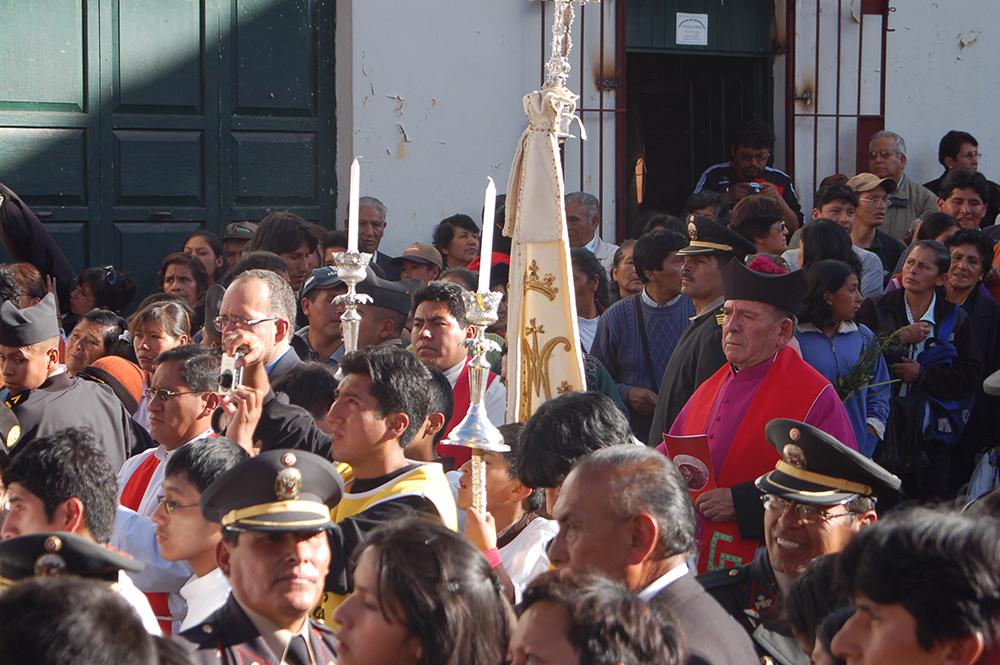 Señor de los Temblores Procession in Cusco, Aracari Travel