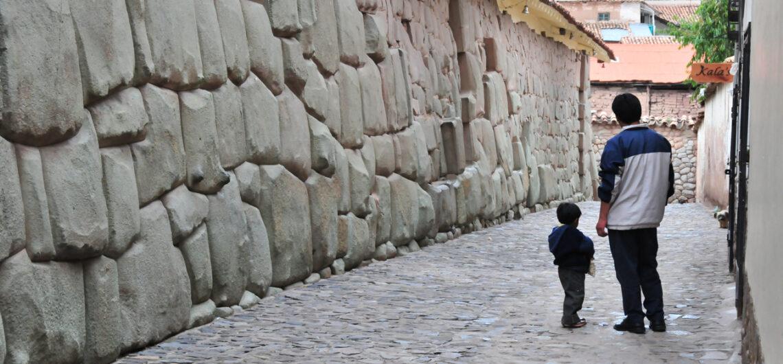 The Magnificent Inca Walls of Cusco, Aracari Travel