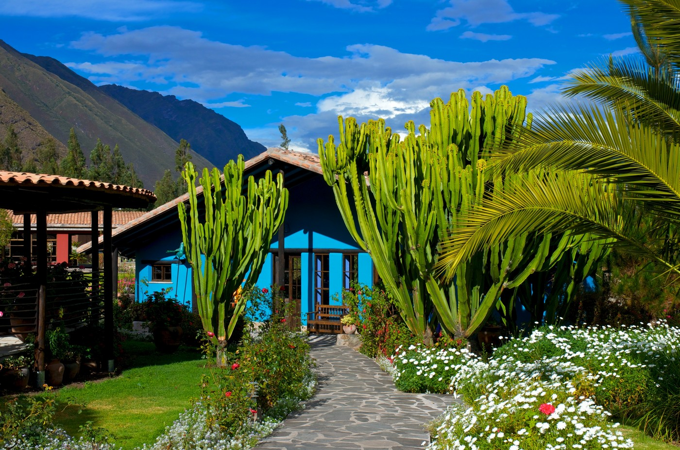 Giving Back in the Sacred Valley: Asociación Sol y Luna, Aracari Travel