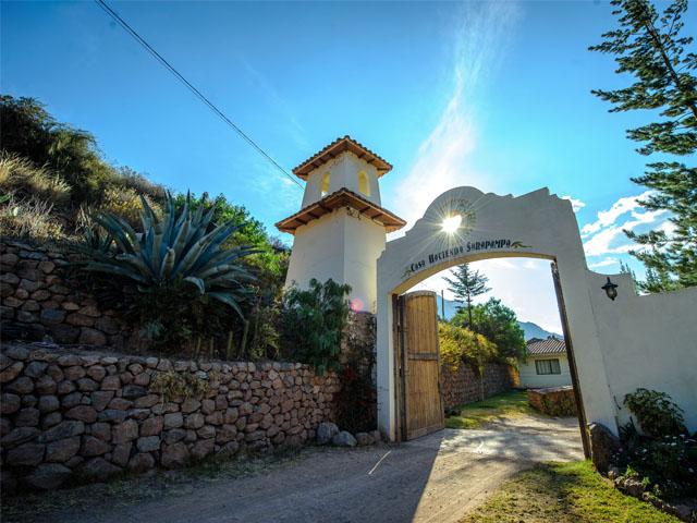 Hacienda Sarapampa Home of Giant Corn, Aracari Travel