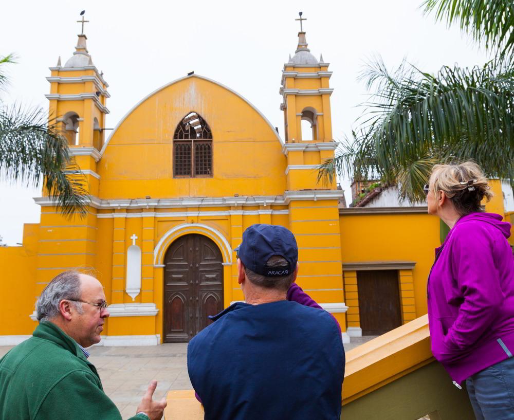 Insider experiences in Lima with John Alfredo Davis Benavides