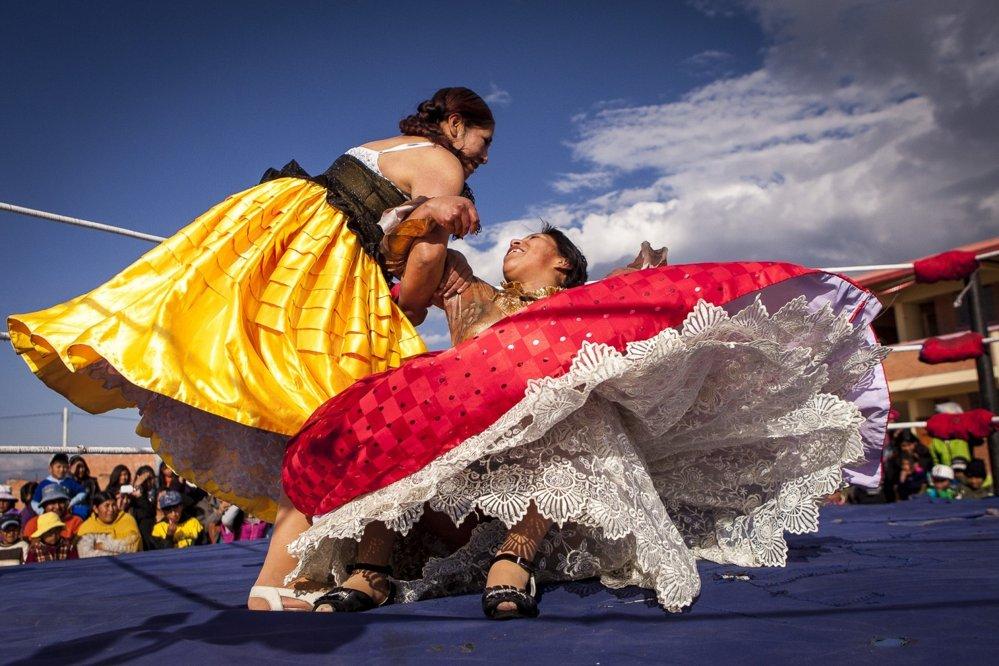 Cholita wrestlers