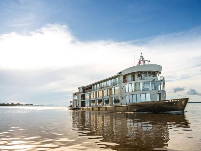 Luxury Amazon Cruises & Lodges, Aracari Travel