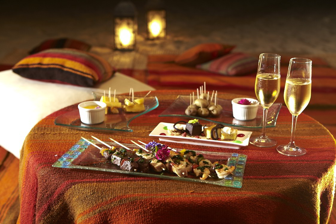 Romantic experiences in Peru - gourmet picnic