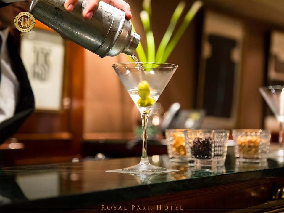 An evening drink at the Royal Park Hotel Lima