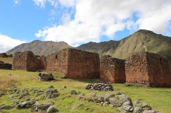 Pumamarca Ruins Hike with Aracari (1)