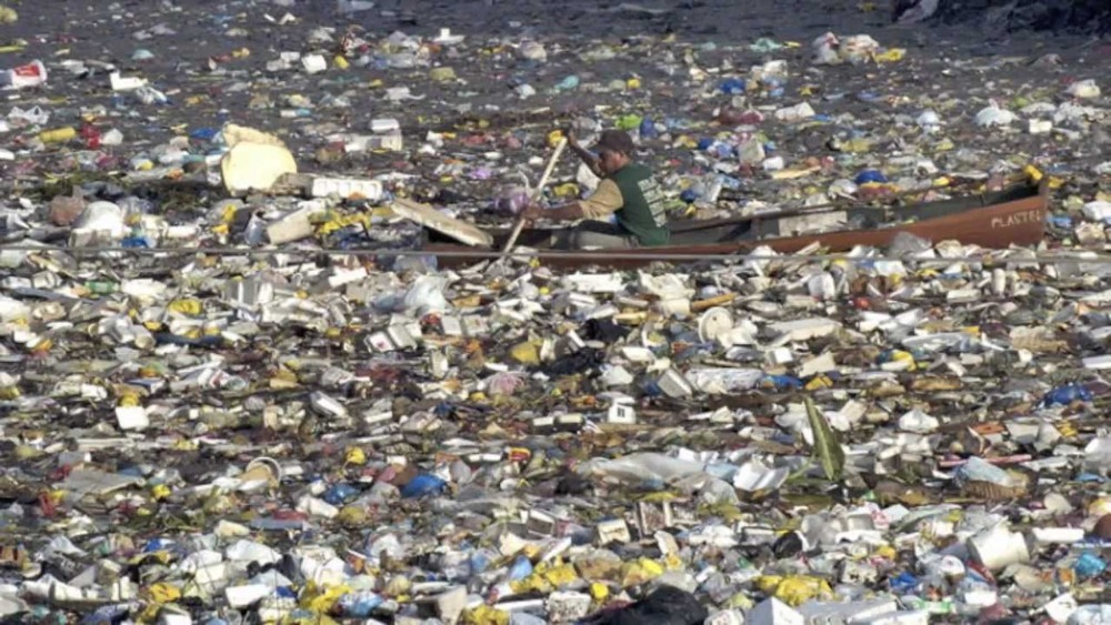 environmentally friendly travel in peru- The Great Pacific Garbage Patch photocredit Ocean Pollution Awareness