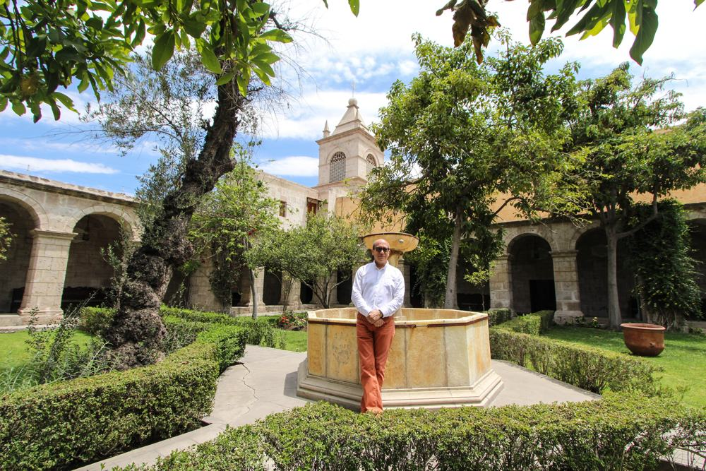Santa Teresa Monastery with Director Franz Grupp, Aracari Travel