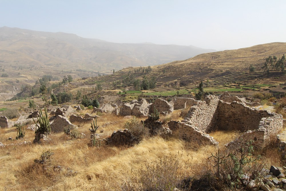 Visiting Uyo Uyo Ruins in Colca