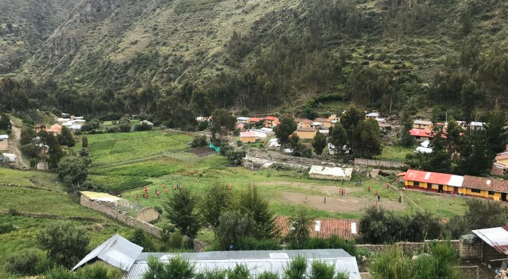 Sacred Valley Responsible Travel with Awamaki, Aracari Travel