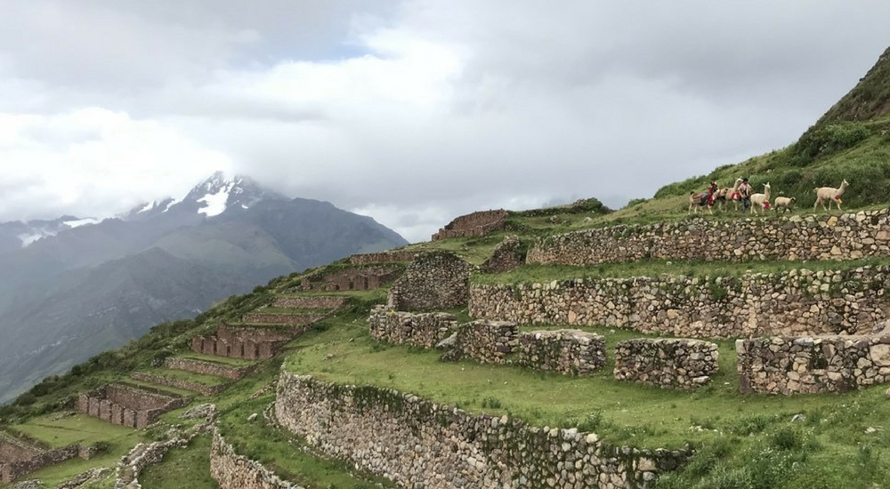 A Short Sacred Valley Hike Off the Beaten Path
