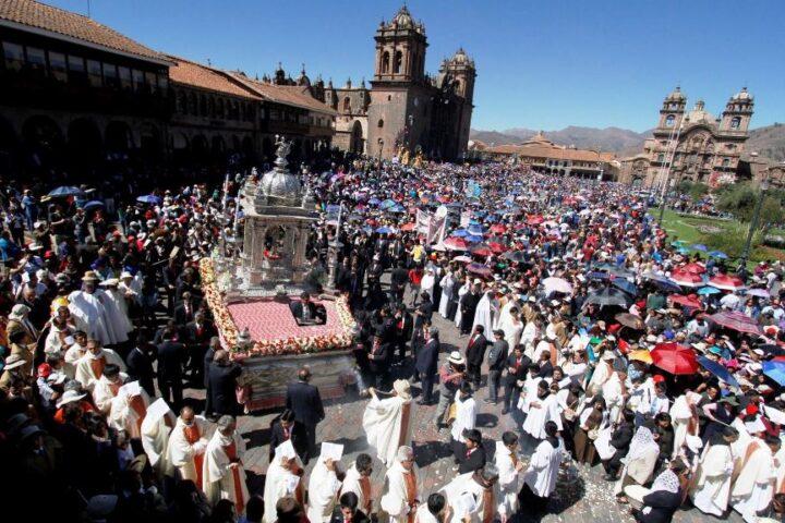 Festival Season in Peru, Aracari Travel
